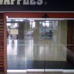 Puertas Automáticas - Restaurante Crepes & Wafles